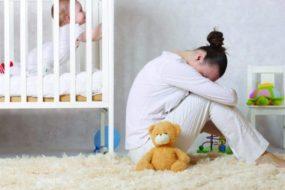 Послеродовая депрессия — симптомы, признаки и лечение