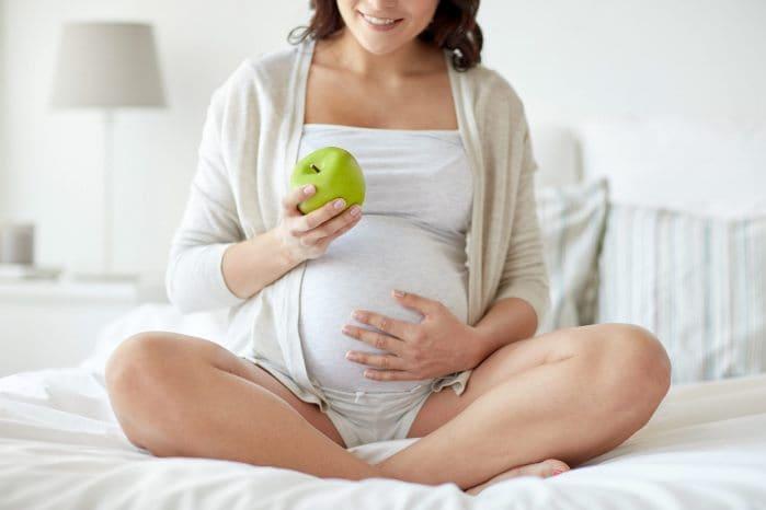 Зеленые яблоки при беременности - MyMedico